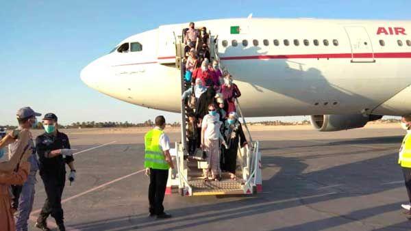 إجلاء الطلبة  الجزائريين المرحلين من كندا العالقين في المغرب، و300 طالب بروسيا يناشدون السلطات بإنهاء معاناتهم وإعادتهم إلى بلدهم
