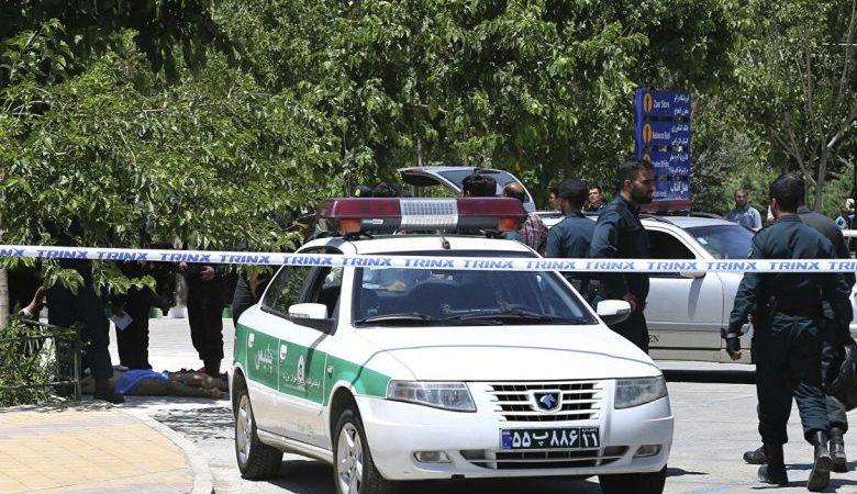 السلطات الإيرانية تعتقل حاملا للجنسية الأمريكية بتهمة التجسس