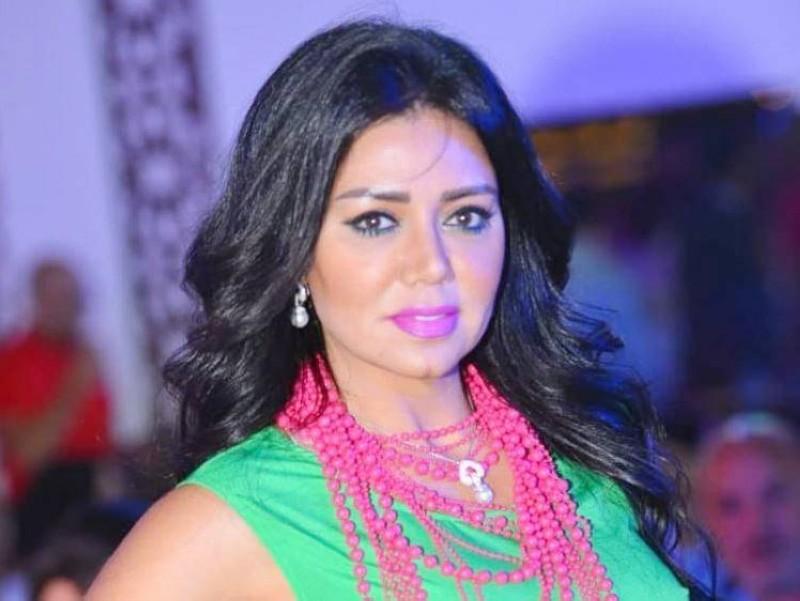 """مصر.. محاكمة الفنانة رانيا يوسف بتهمة ارتكابها """"جريمة الفعل العلني الفاضح"""""""