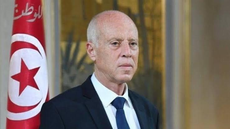 الرئاسة التونسية تكشف تفاصيل الظرف المشبوه الذي يحتوي مادة سامة