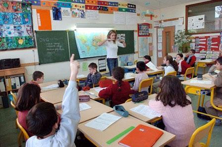 كورونا.. هولندا تعيد فتح المدارس الابتدائية