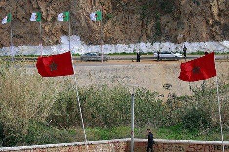 القضاء على التهريب في الاتجاه المعاكس: ازدهارالأسواق المغربية وتأزم الأسواق الجزائرية…