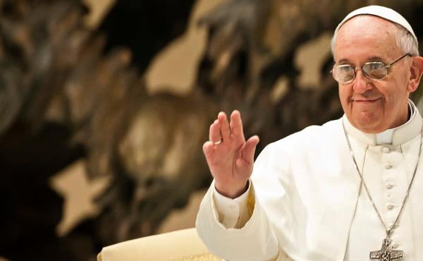 """البابا فرنسيس : تفجيرات بغداد """"عمل وحشي لا معنى له"""""""
