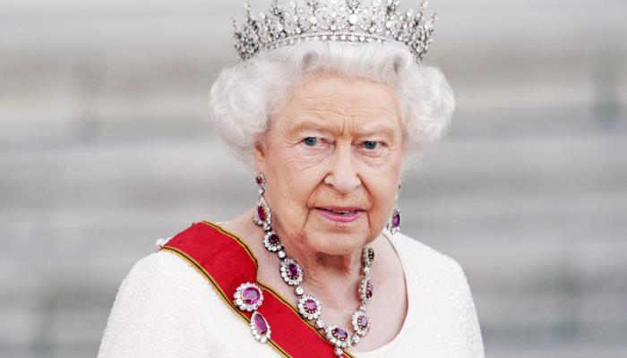 ستة أشياء لم تفعلها الملكة إليزابيث الثانية في حياتها على الإطلاق