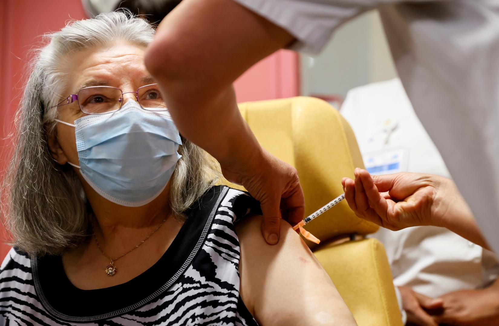 فرنسا.. تعليق التلقيح ضد كورونا في إيل دو فرانس لتعذّر توفير الجرعات اللازمة من اللقاح