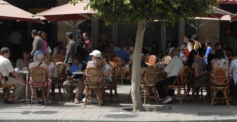 كورونا.. المغرب يقرر إغلاق المقاهي والمطعم والقاعات السينمائية والحمامات
