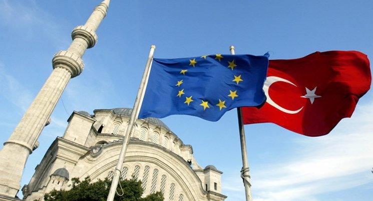 الاتحاد الأوروبي يطالب تركيا بترجمة نواياها إلى أفعال محددة