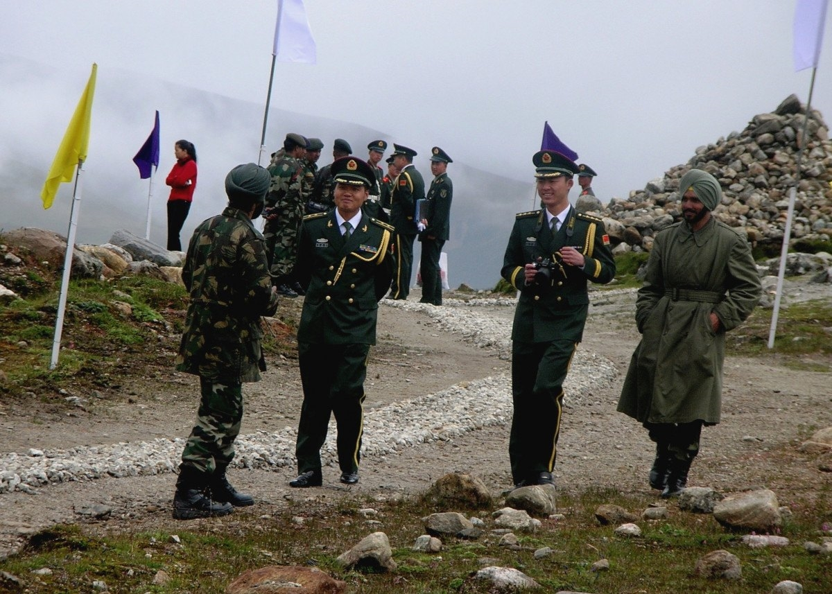 اشتباكات بين قوات صينية وهندية وانباء عن وقوع اصابات لدى الجانبين