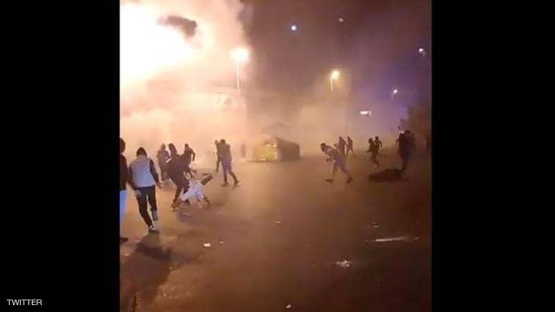 """طرابلس تتحول لـ""""ساحة حرب"""" ومواجهات بين متظاهرين والجيش اللبناني"""