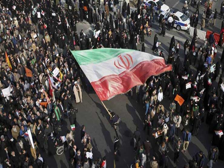 """متظاهرون في طهران : """"الموت لروحاني و للمفسدين الاقتصاديين"""""""