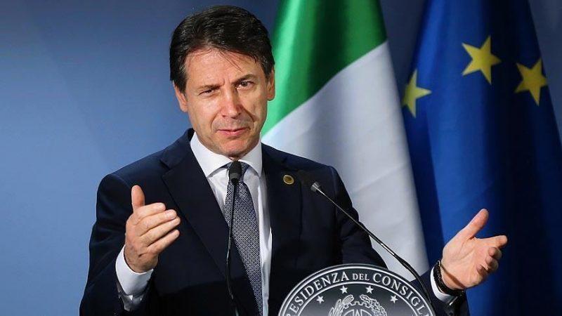 رئيس وزراء ايطاليا يفوز بثقة البرلمان وعينه على نواب المعارضة لتقوية الأغلبية