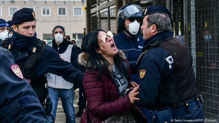 إيطاليا .. 422 وفاة جديدة بكورونا