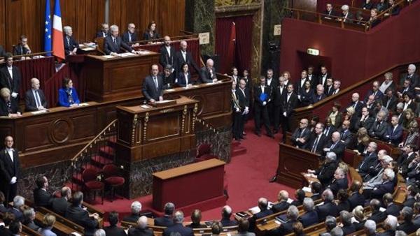 """مجلس النواب الفرنسي يصادق على قانون مثير للجدل لمواجهة النزعات """"الانفصالية"""" و""""التطرف الإسلامي"""""""