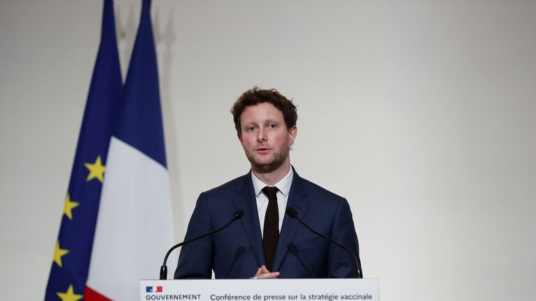 وزير فرنسي: بريطانيا خاطرت كثيرا في برنامج التلقيح ضد كورونا