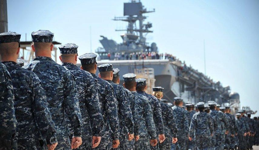 البحرية الأمريكية تضبط شحنة من  الأسلحة قبالة  سواحل الصومال