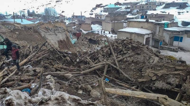 جرحى وأضرار في زلزال ضرب جنوب غربي إيران