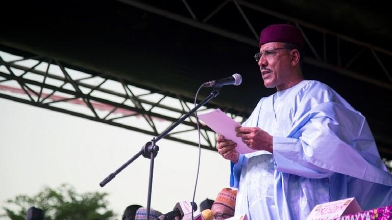 أبو العزوم أول عربي يصل إلى رئاسة النيجر