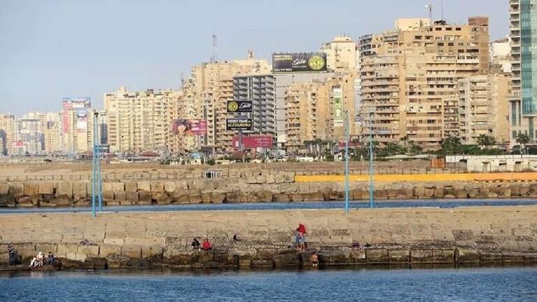 ضحايا في انهيار عقار في الإسكندرية