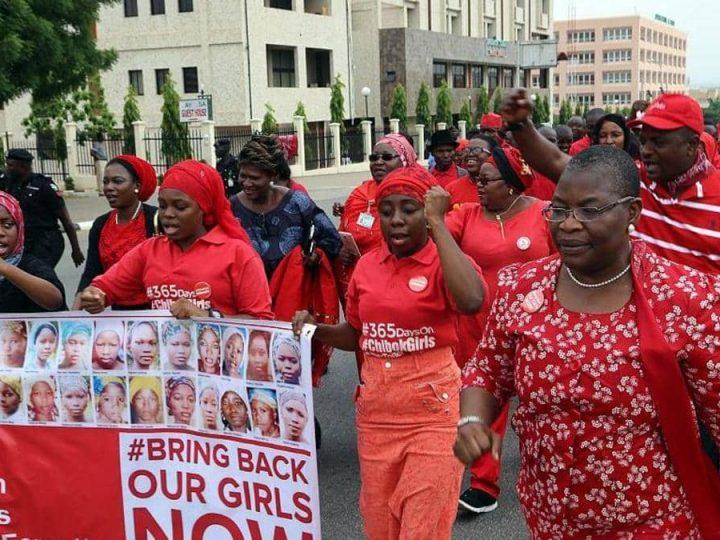 نيجيريا .. عصابات مسلحة تختطف 317 طالبة  من مدرسة حكومية