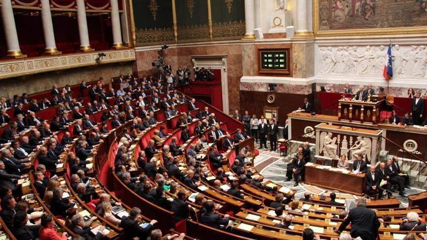 """الجمعية الوطنية الفرنسية تصادق على قانون """"صامويل باتي"""""""
