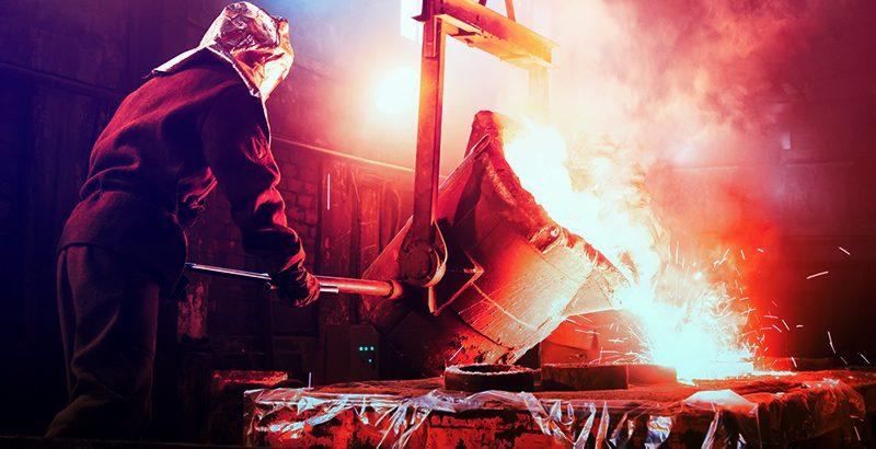 رجل صيني  يلقي بنفسه في فرن لصهر الحديد إثر خسارته في البورصة
