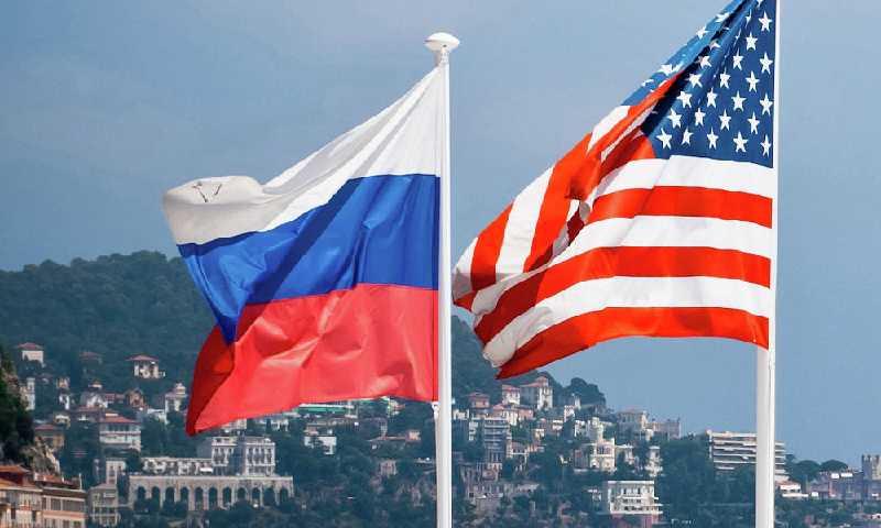 الولايات المتحدة لن تستدعي سفيرها في موسكو