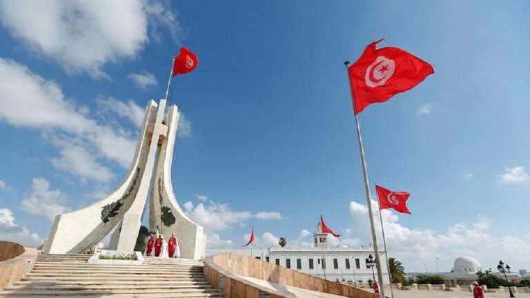 وزارة الدفاع التونسية توضح بشأن صفقات إقتناء بزات عسكرية