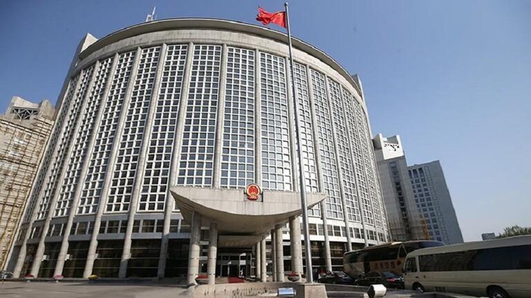الخارجية الصينية تستدعي السفيرة البريطانية