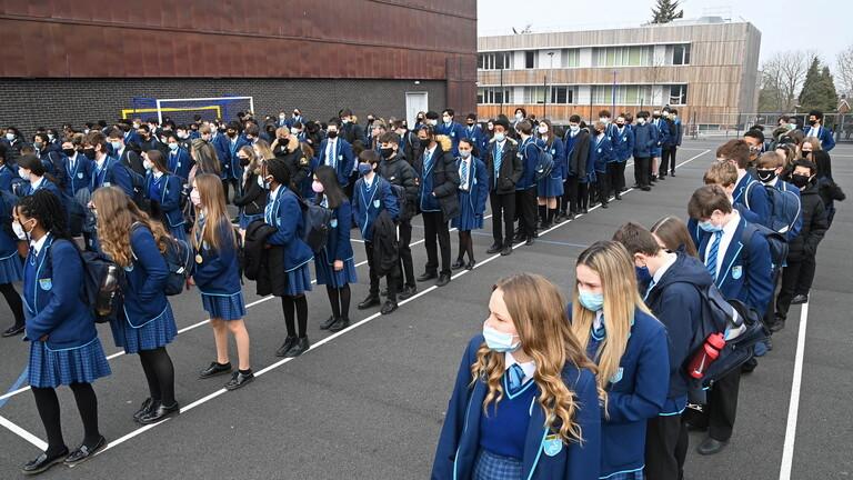 700 ألف طالب لم يعودوا إلى المدارس رغم فتحها في بريطانيا