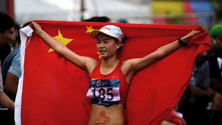 بطلة صينية تحطم الرقم العالمي في سباق 20 كلم مشيا للسيدات