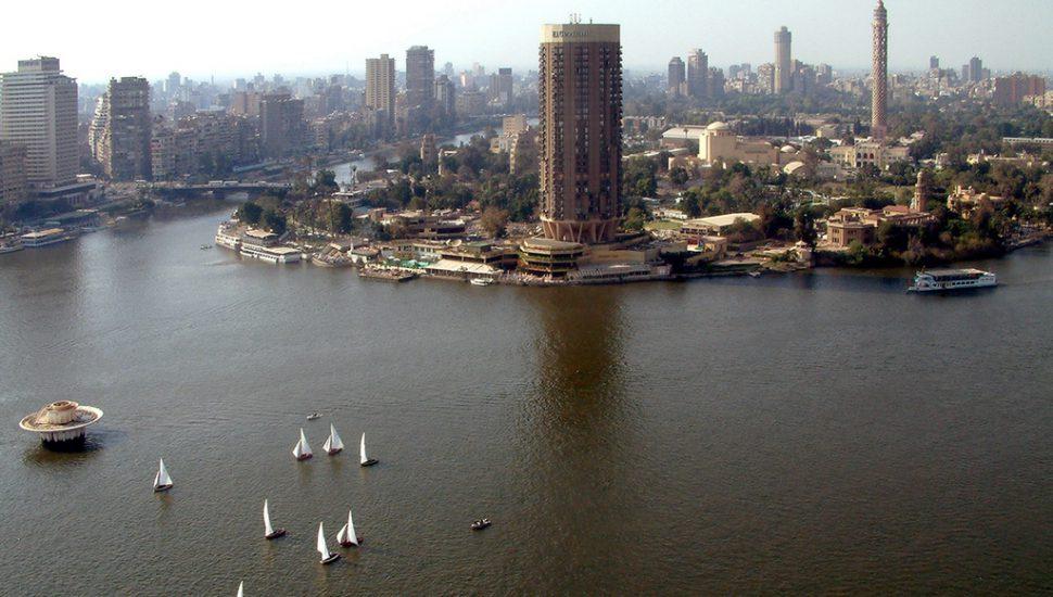"مصر.. مليونير لساعات قبل ""قرار مذهل"""