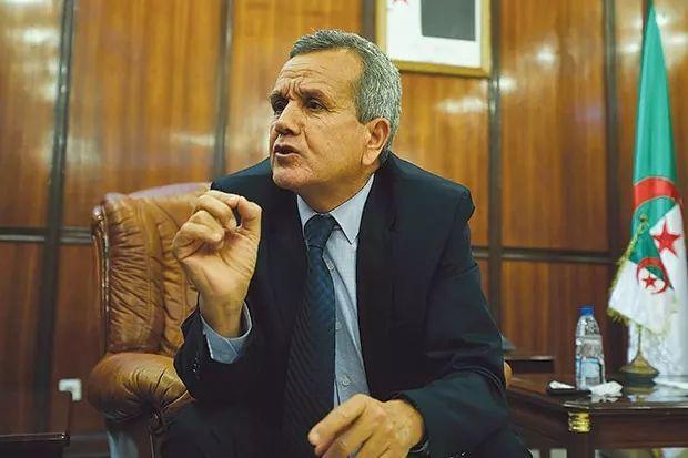 فضيحة: وزير الصحة الجزائري يتمنى لشعبه موجة ثالثة من وباء كورونا لإرغام المواطنين على الالتزام بالإجراءات الوقائية