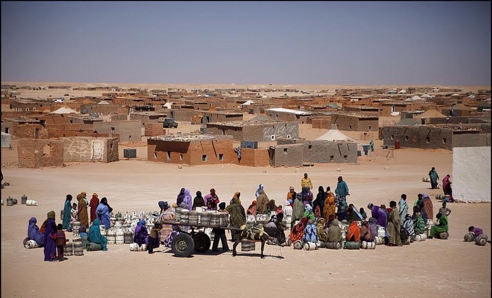 تفشي وباء كورونا بمخيمات تندوف  يدفع منظمة غوث اللاجئين إلى غلق مكتبها وتعليق أنشطتها