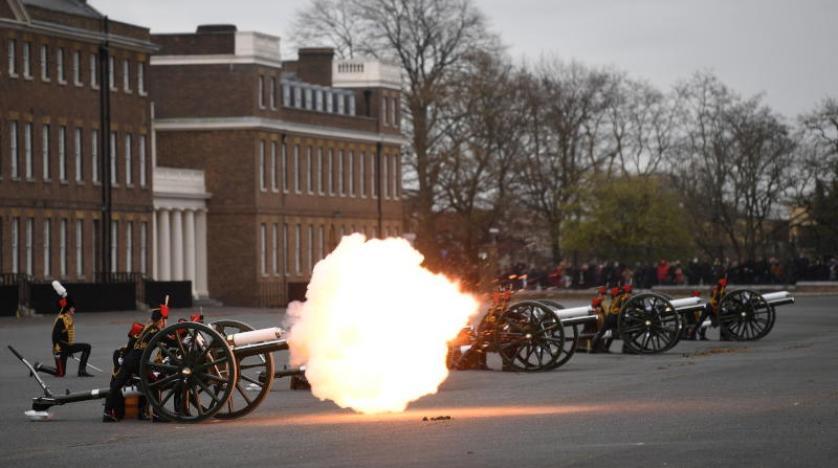 بريطانيا.. 41 طلقة مدفعية في جميع أنحاء المملكة تكريما للأمير فيليب