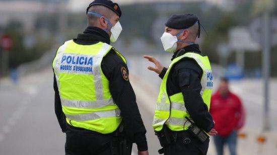 إسبانيا.. محاكمة شخص تهمة خنق والدته وأكل أجزاء من جسدها بعد أن قطّعها إلى أشلاء