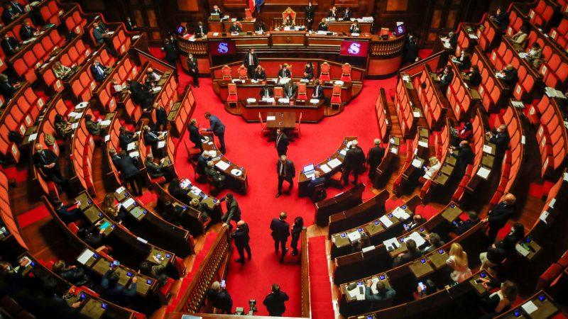 مجلس الشيوخ الإيطالي يصوت على مقترح منح الجنسية لناشط مصري مسجون