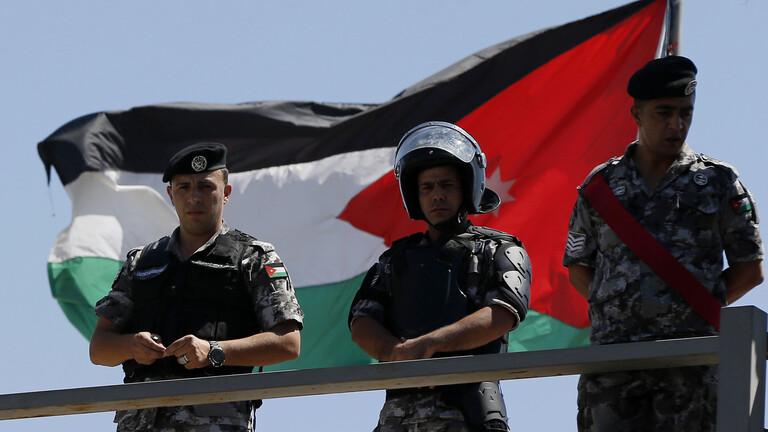 الأردن.. اعتقال  رئيس الديوان الملكي الأسبق ومبعوث الملك الخاص السابق للسعودية