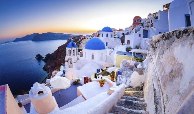 اليونان تعلن عودة السياحة بحلول 15 مايو المقبل