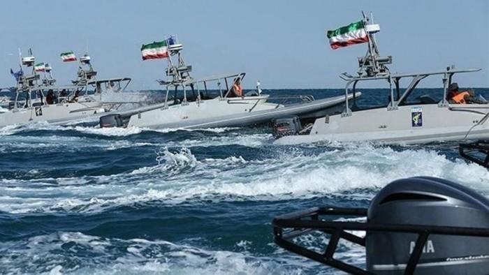 قوارب تابعة للحرس الثوري الإيراني حاصرت سفينتين للبحرية الأمريكية في الخليج