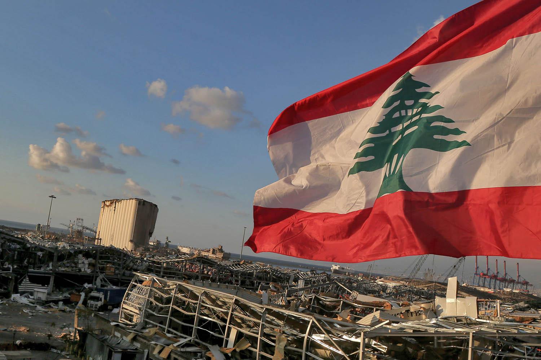 فرنسا والاتحاد الأوروبي يدرسان تجميد أصول وفرض حظر السفر على ساسة لبنانيين