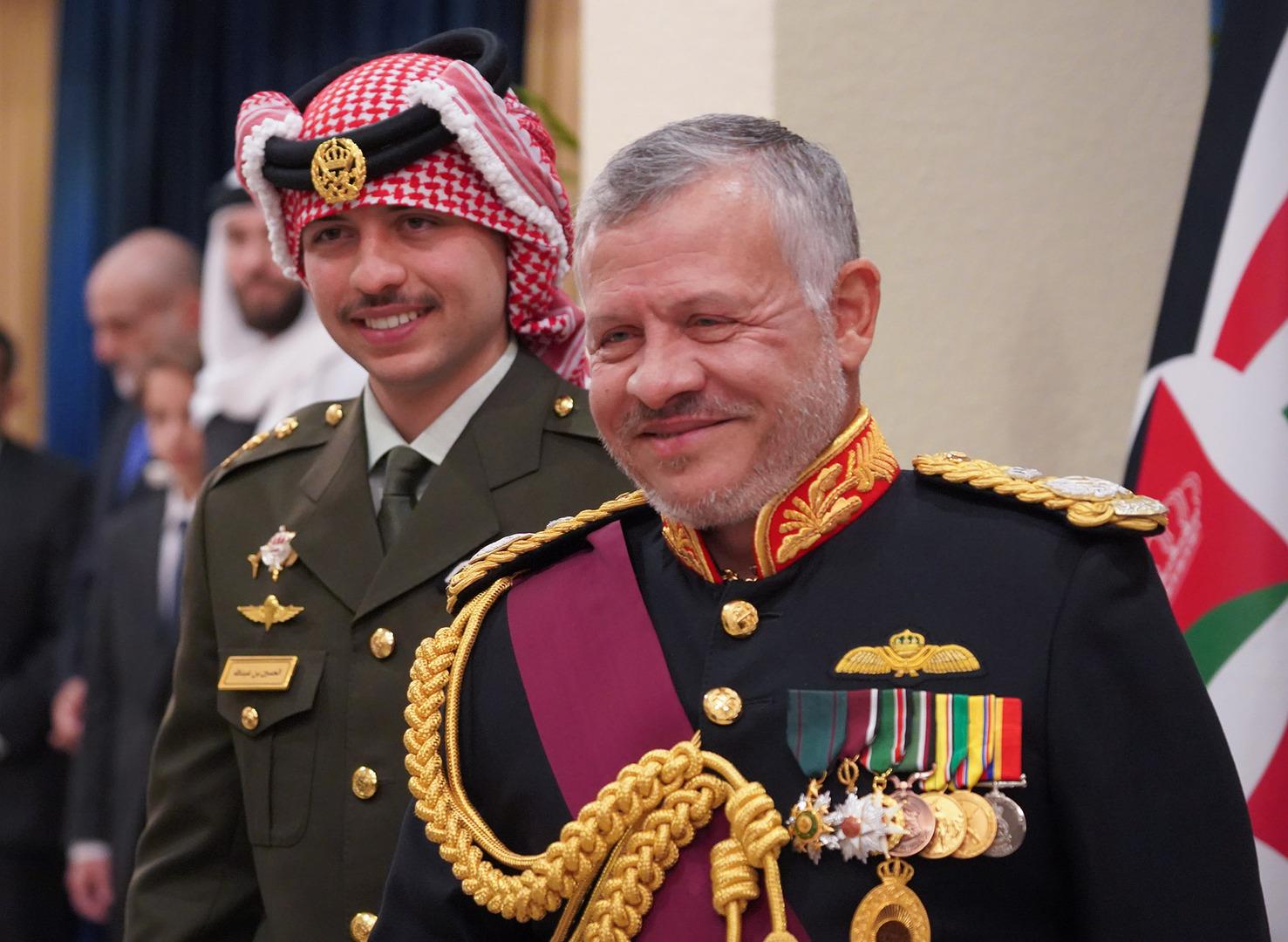 """ملك الأردن يهاتف فتاة حكم عليها بالسجن لقولها عبارة """"أبوي أحسن من الملك"""""""