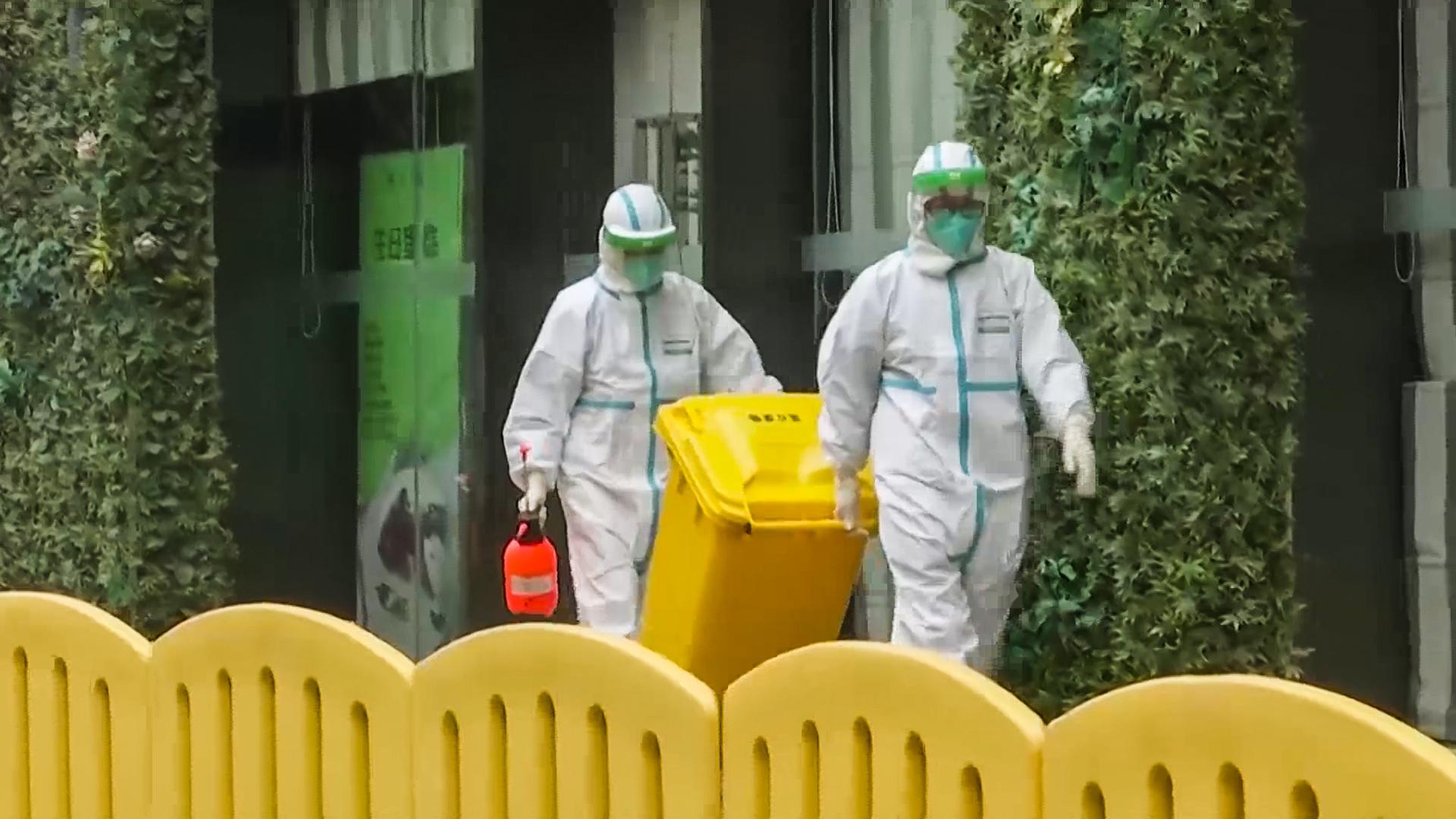 """نفايات التطعيمات.. """"قنبلة موقوتة"""" تنذر بخطر بيئي كبير"""