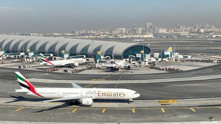 """""""طيران الإمارات"""" تمدد تعليق رحلاتها من جنوب إفريقيا"""