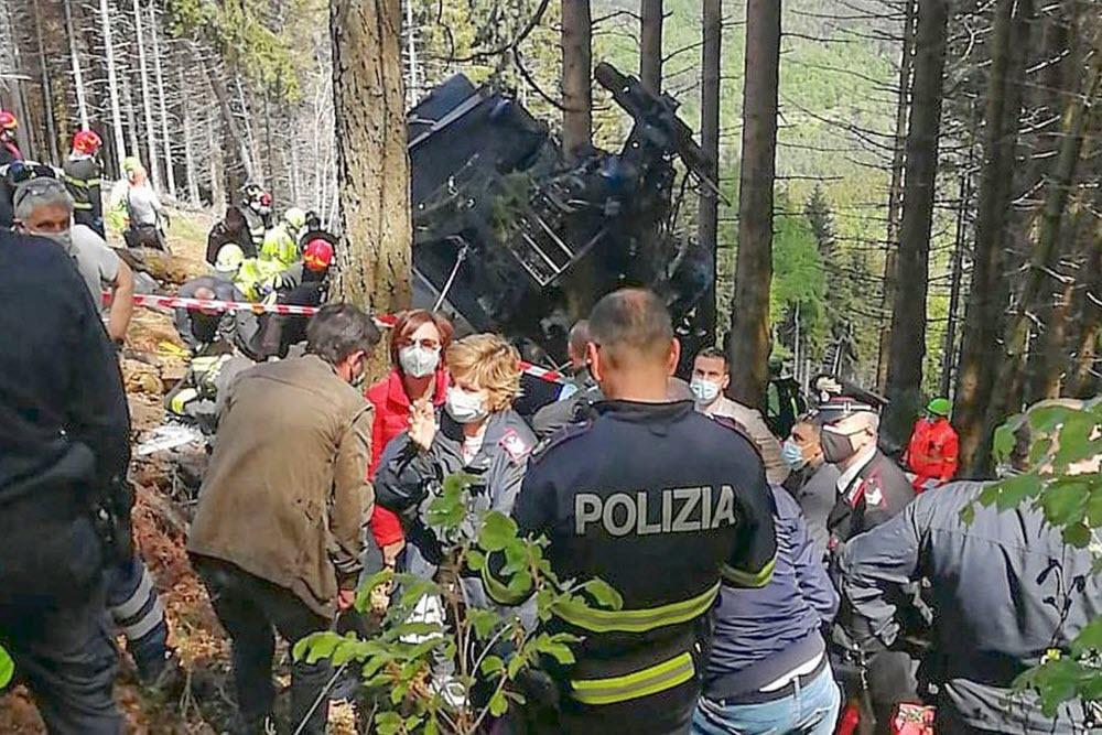 إيطاليا.. ارتفاع حصيلة ضحايا حادث تحطم قاطرة تلفريك إلى 14 قتيلا