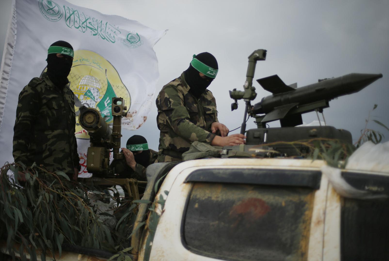"""تحقيق: حافلة تقل جنودا إسرائيليين أخليت قبل استهدافها من قبل """"كتائب القسام"""""""