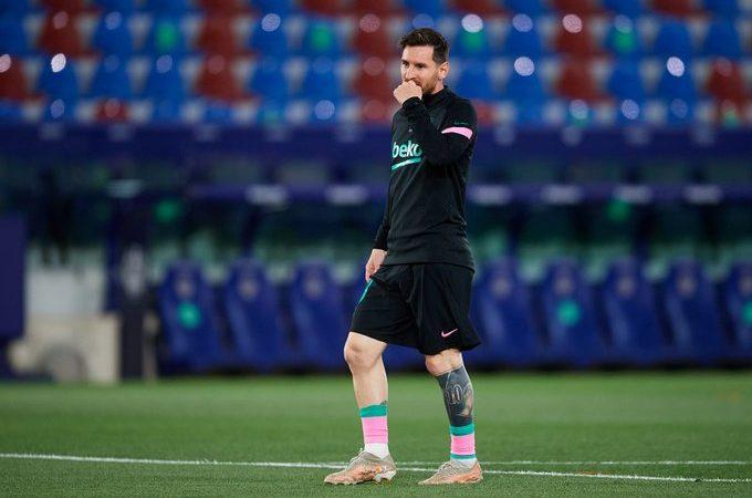 """برشلونة مستعد للتضحية بقائده ميسي من أجل التعاقد مع """"الفتى الذهبي"""""""