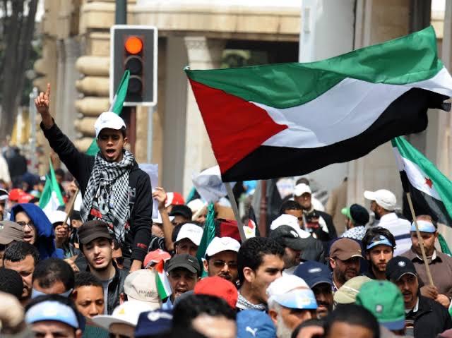 مظاهرة عربية-يهودية مشتركة ضد خطط التهجير في الشيخ جراح