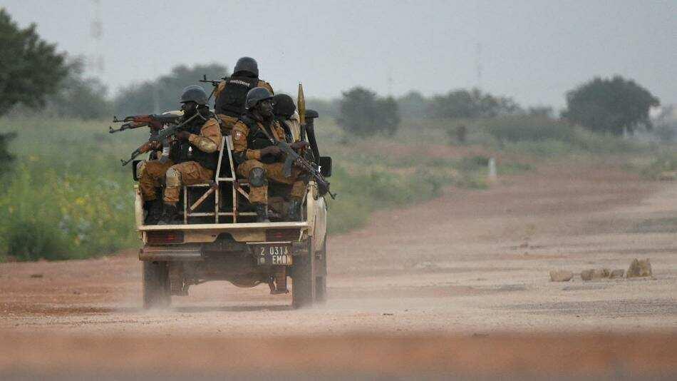 فرار الآلاف من المواطنين ببوركينا فاسو  بسبب أحداث العنف