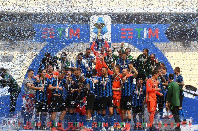 إنتر ميلان يحرز لقب الدوري الإيطالي للمرة الـ19 في تاريخه