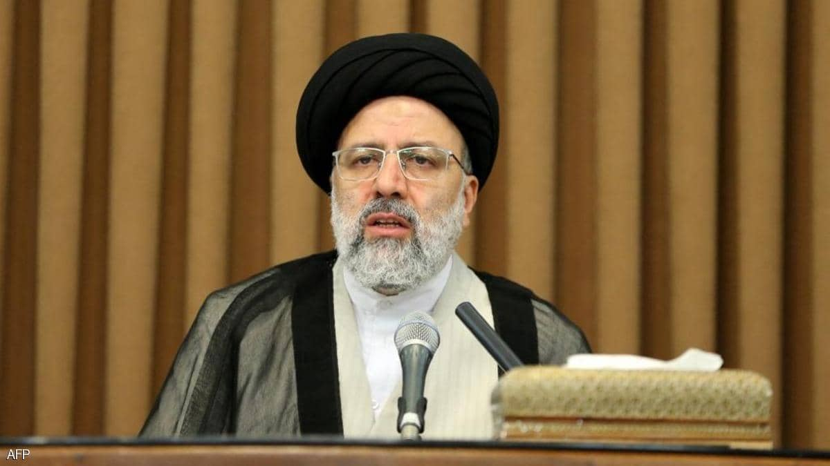 """بعد استبعاد """"المشاكسين"""".. الإيرانيون يصوتون  على """"مرشح واحد"""""""